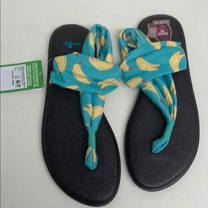 Yoga sling sandals size 6-7 NWT